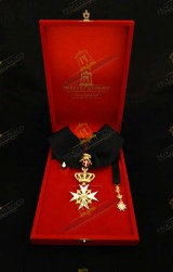NECK INSIGNIA FOR KNIGHT OF MAGISTRAL GRACE ORDER OF MALTA